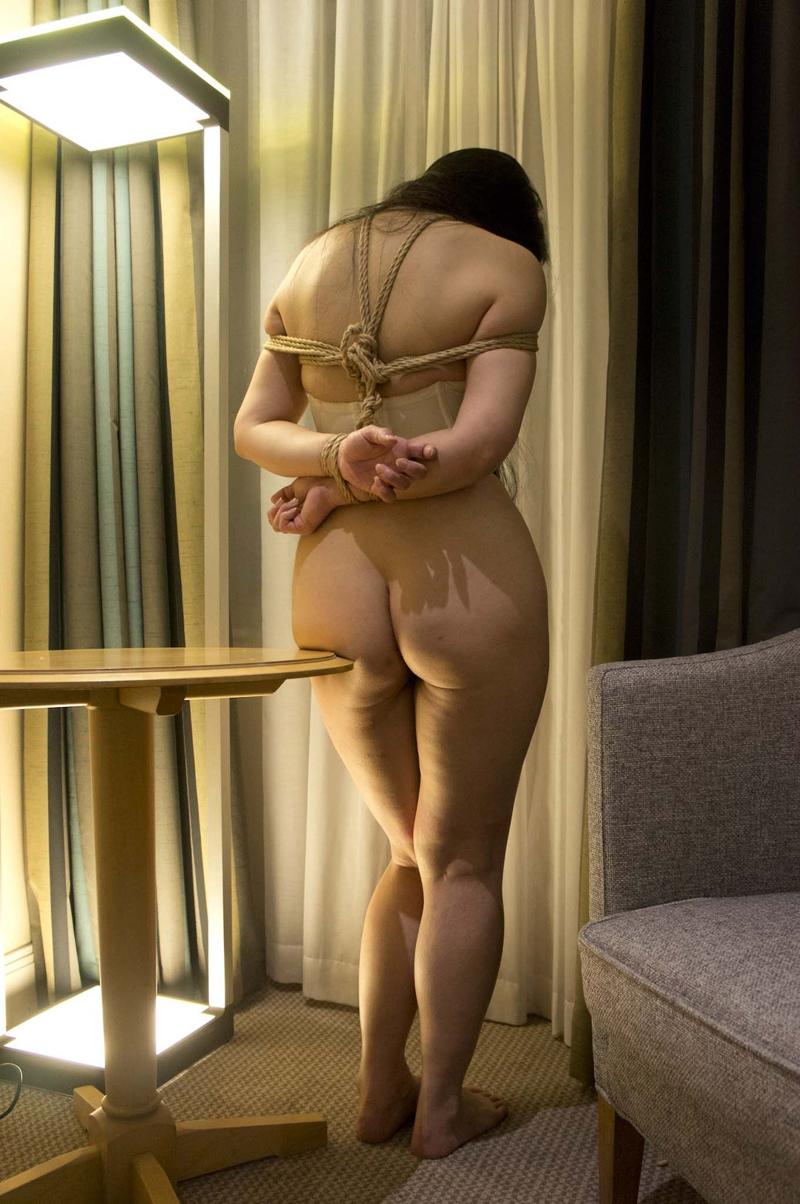 【SM緊縛エロ画像】食い込むロープ!女の子をロープで緊縛してみた結果! 51