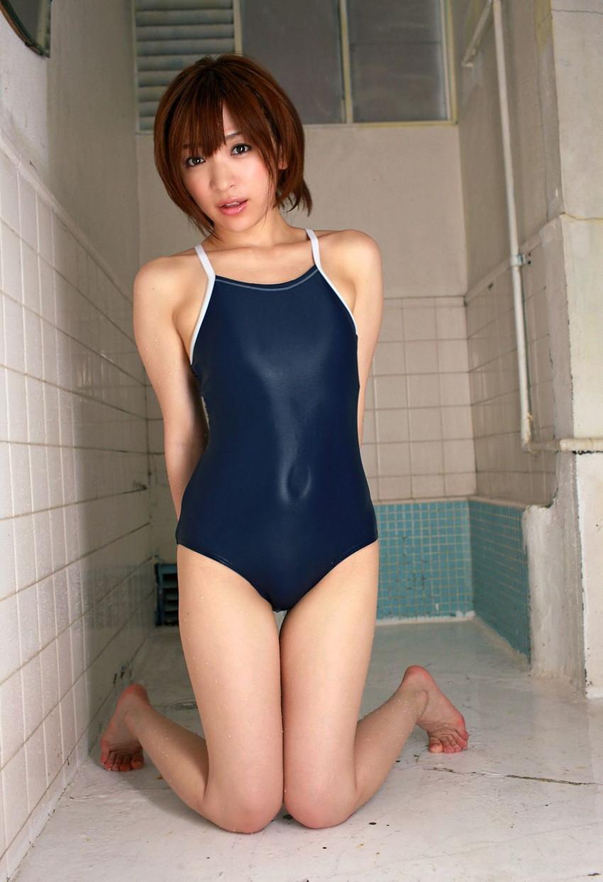 【スクール水着エロ画像】こんな時期だけどスクール水着女子の画像でも見て妄想したいw 07