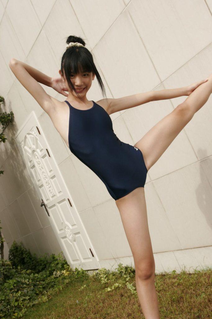 【スクール水着エロ画像】こんな時期だけどスクール水着女子の画像でも見て妄想したいw 13