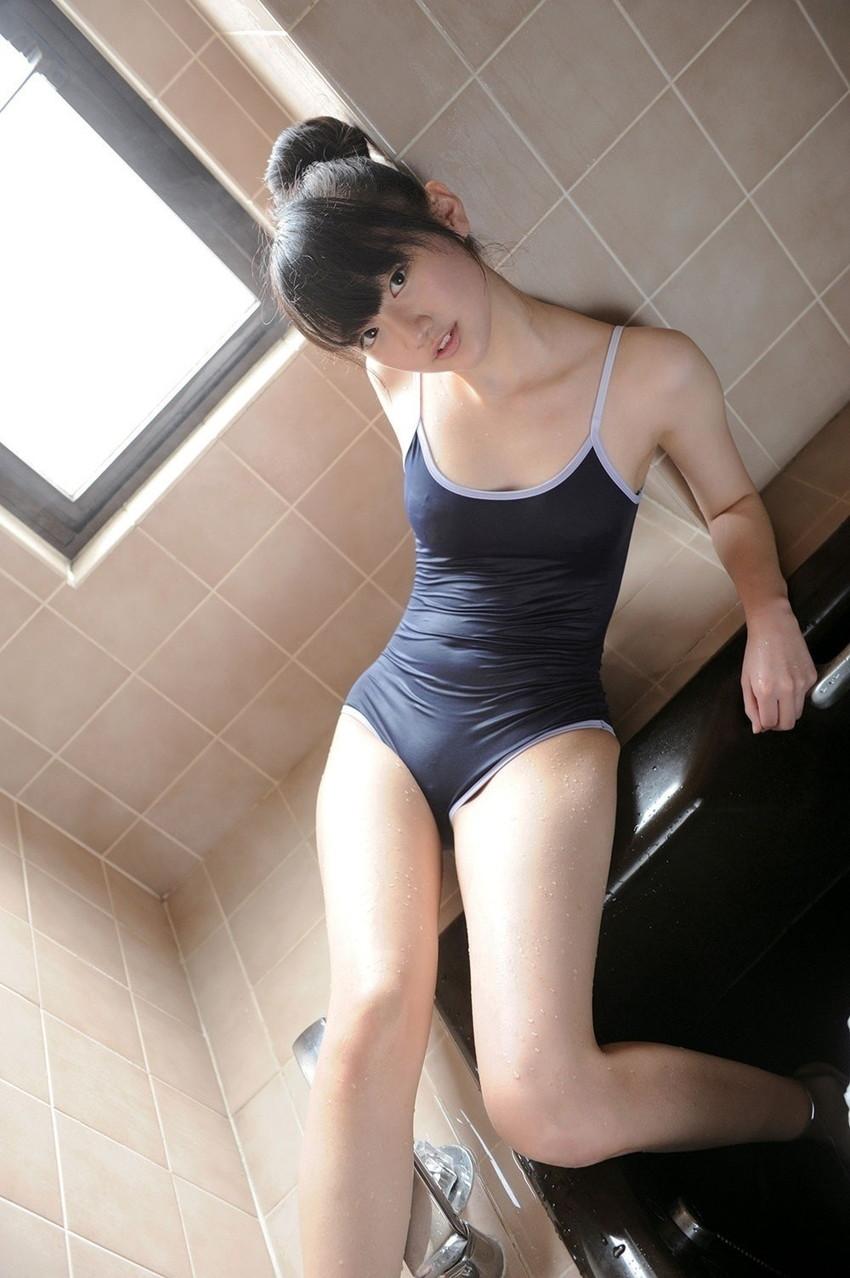 【スクール水着エロ画像】こんな時期だけどスクール水着女子の画像でも見て妄想したいw 78