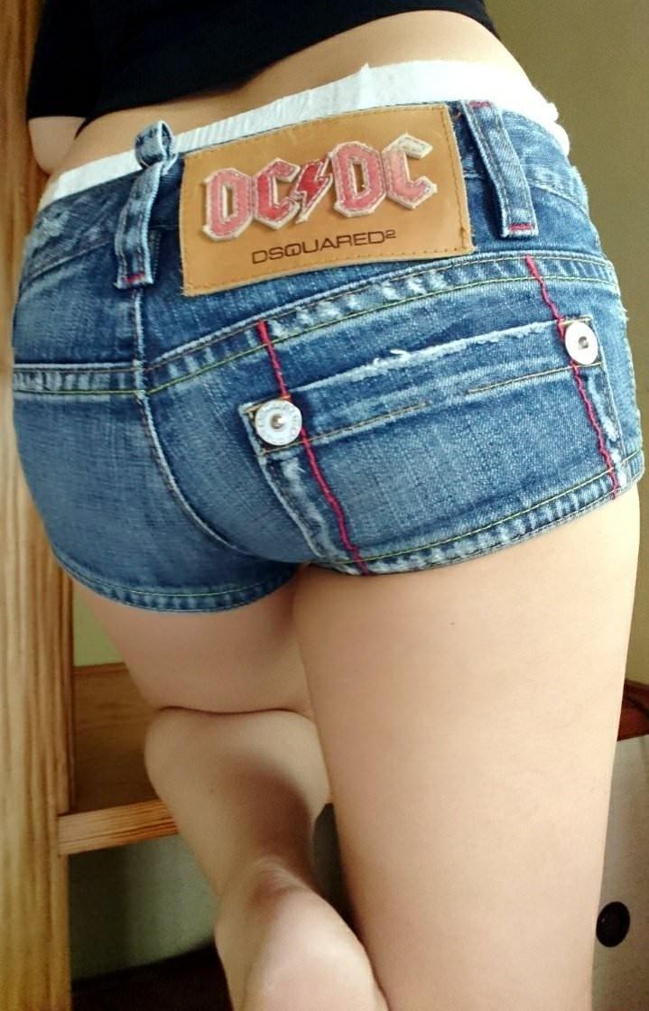 【ホットパンツエロ画像】女の子が薄着になる季節が恋しくなるホットパンツ! 06