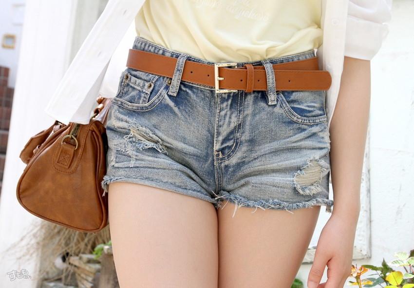 【ホットパンツエロ画像】女の子が薄着になる季節が恋しくなるホットパンツ! 38