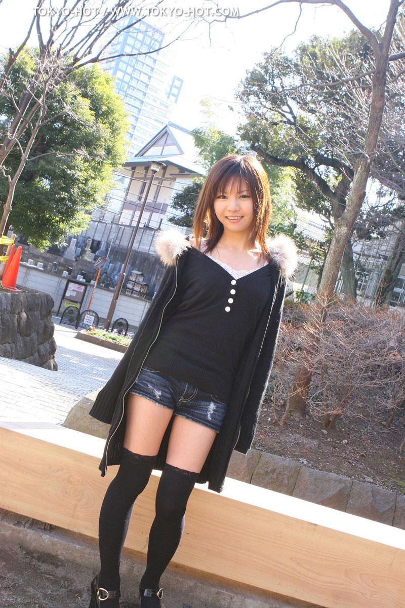 【ホットパンツエロ画像】女の子が薄着になる季節が恋しくなるホットパンツ! 56