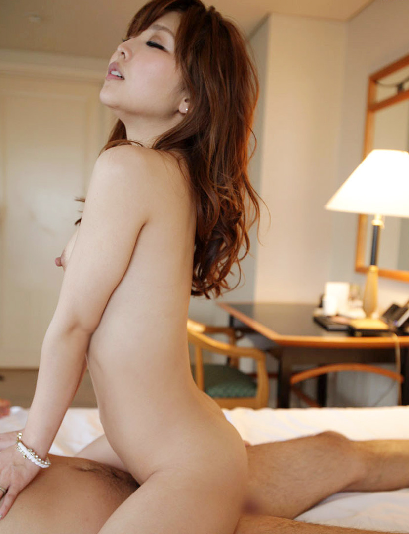 【騎乗位エロ画像】ガチで気持ち良さそうな女性リードのセックスがこちら! 29