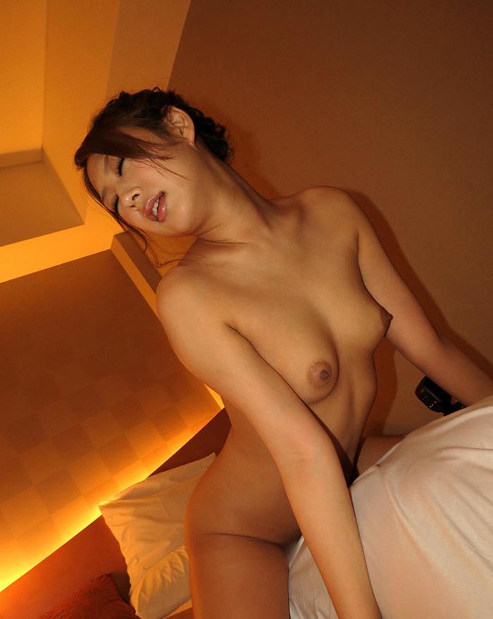 【騎乗位エロ画像】ガチで気持ち良さそうな女性リードのセックスがこちら! 63