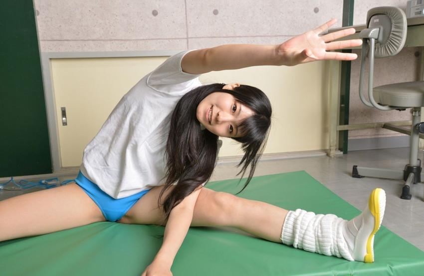 【体操服エロ画像】学生時代に好きだったアノ子に重ねて妄想を楽しむ! 79