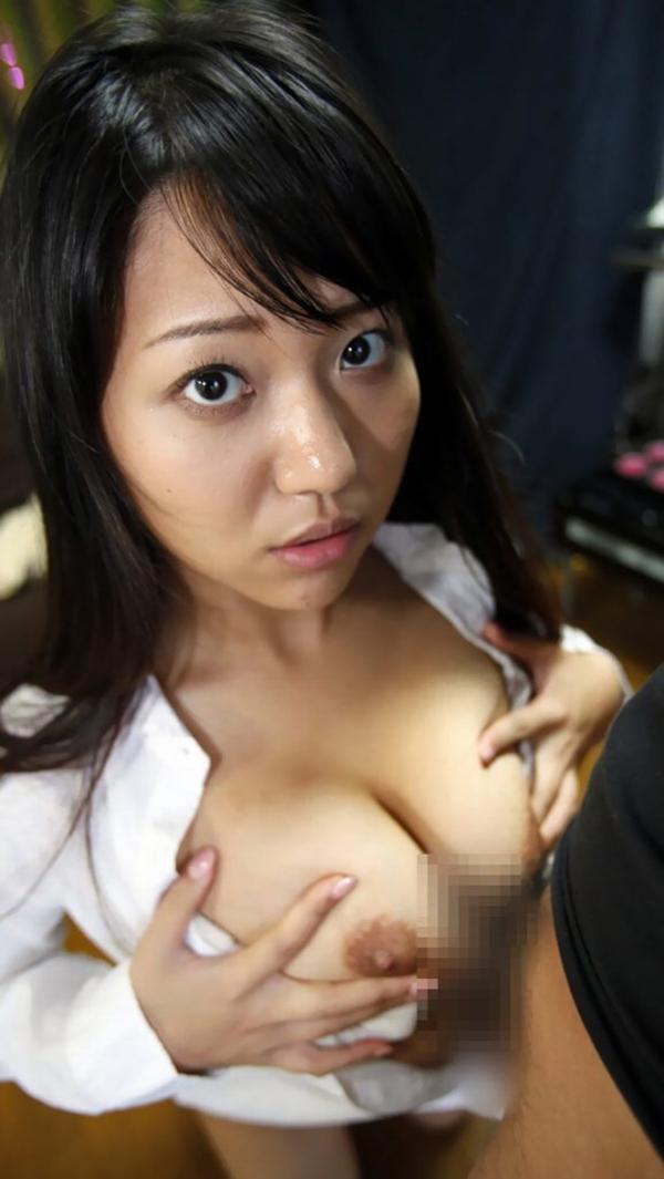 【パイズリエロ画像】巨乳の谷間をたっぷりと堪能できる巨乳女のステータス! 29