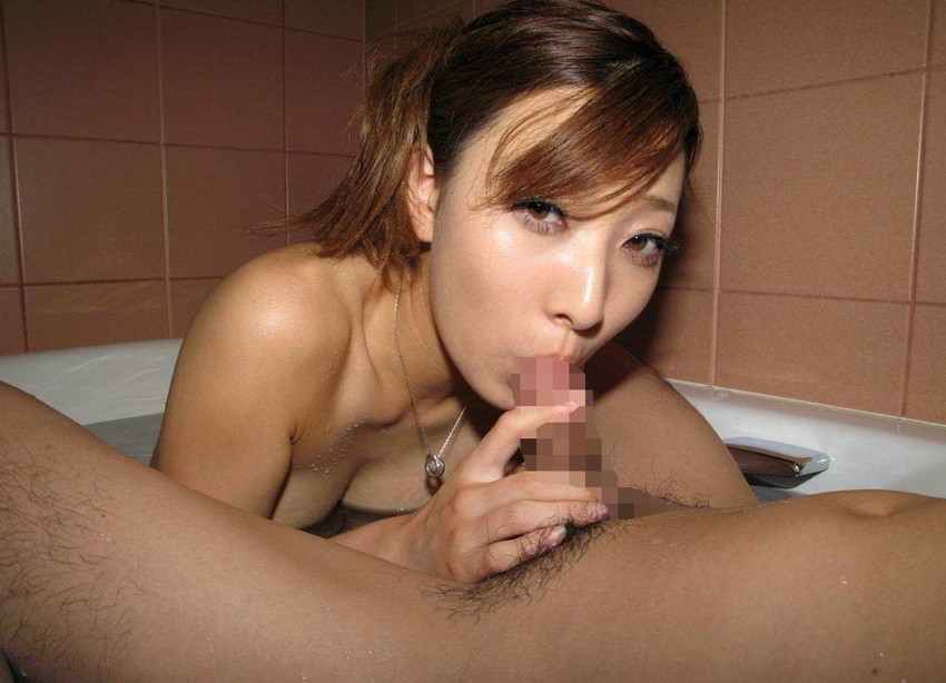 【全裸フェラチオエロ画像】オールヌードでフェラする女、エロくて草wwwww 72