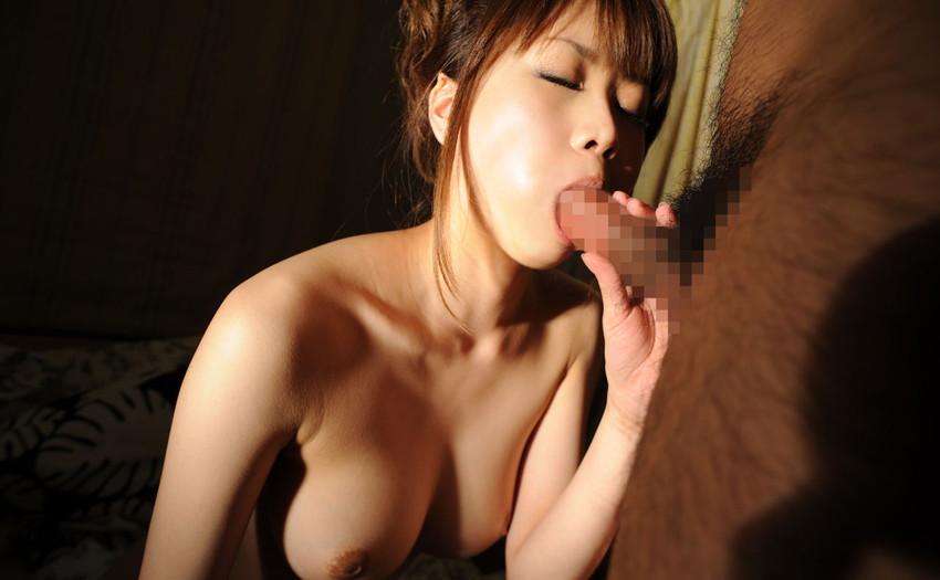 【全裸フェラチオエロ画像】オールヌードでフェラする女、エロくて草wwwww 74