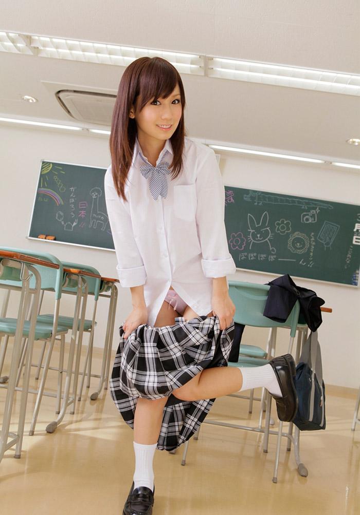 【JKコスプレエロ画像】ホンモノJKには劣るけどフレッシュな魅力の女の子達! 50