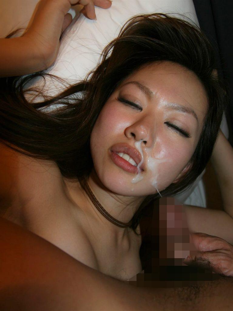 【顔射エロ画像】男の征服欲を掻き立てる!顔射された女の子達! 46