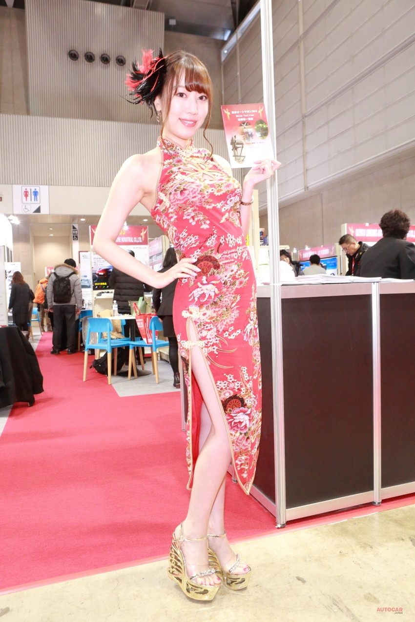 【キャンギャルエロ画像】露出過多な衣装で客寄せ!キャンギャルたちの艶姿! 34