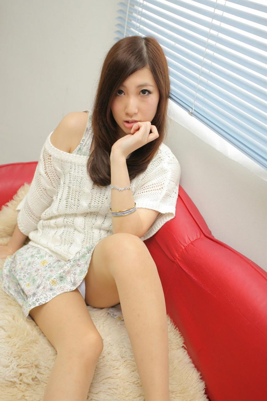 【パンチラエロ画像】美人美脚な女の子たちのスカートの中身、覗いたったぜw 05