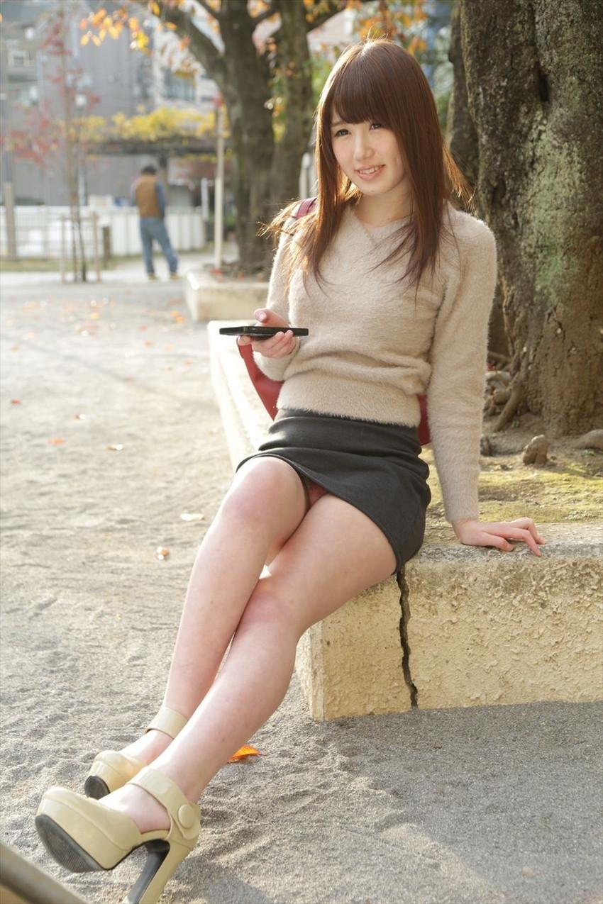 【パンチラエロ画像】美人美脚な女の子たちのスカートの中身、覗いたったぜw 11