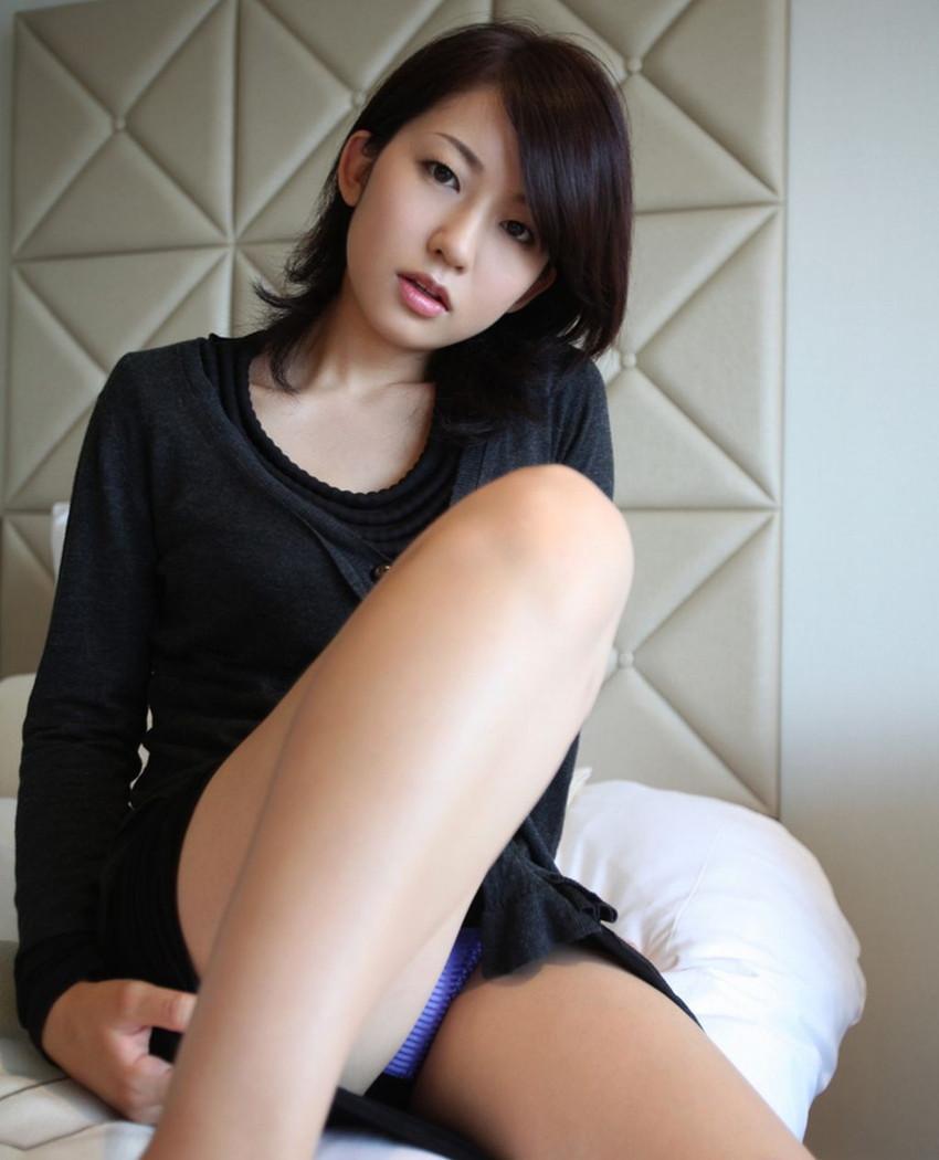 【パンチラエロ画像】美人美脚な女の子たちのスカートの中身、覗いたったぜw 34