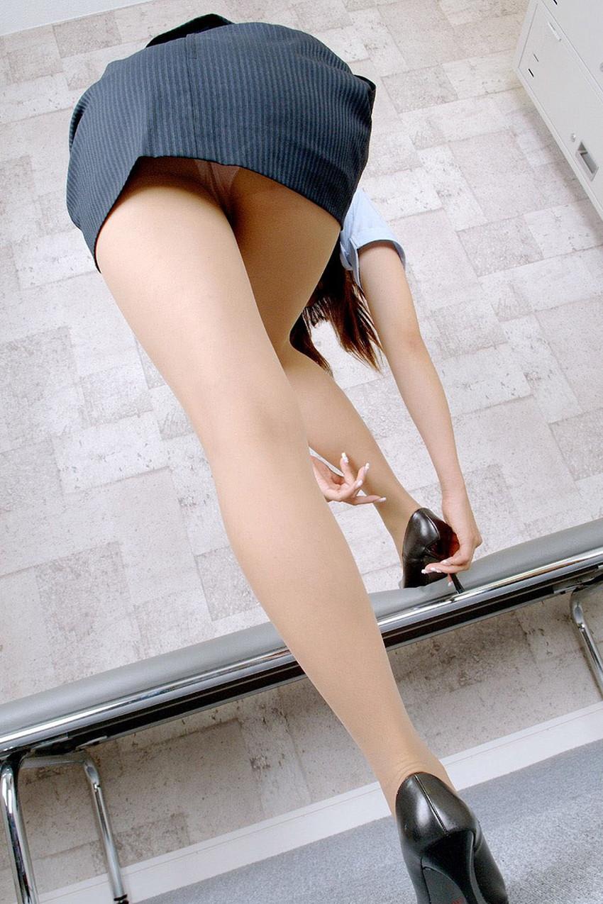 【パンチラエロ画像】美人美脚な女の子たちのスカートの中身、覗いたったぜw 37