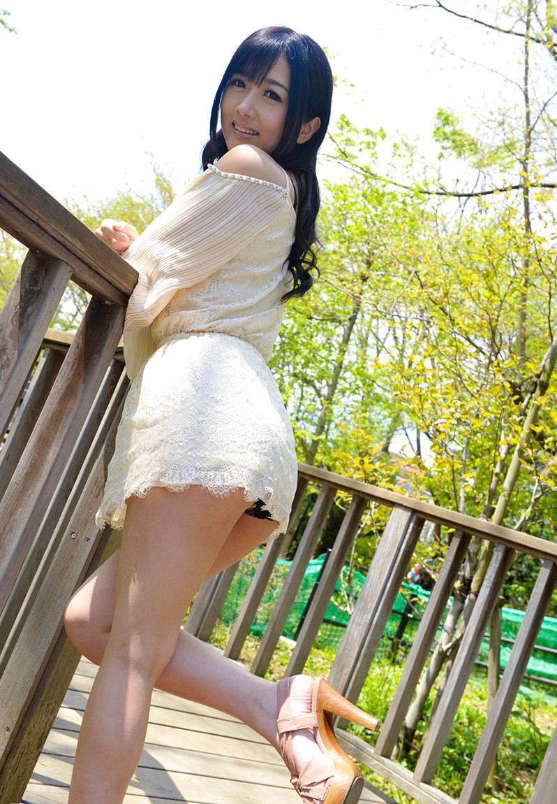 【パンチラエロ画像】美人美脚な女の子たちのスカートの中身、覗いたったぜw 53