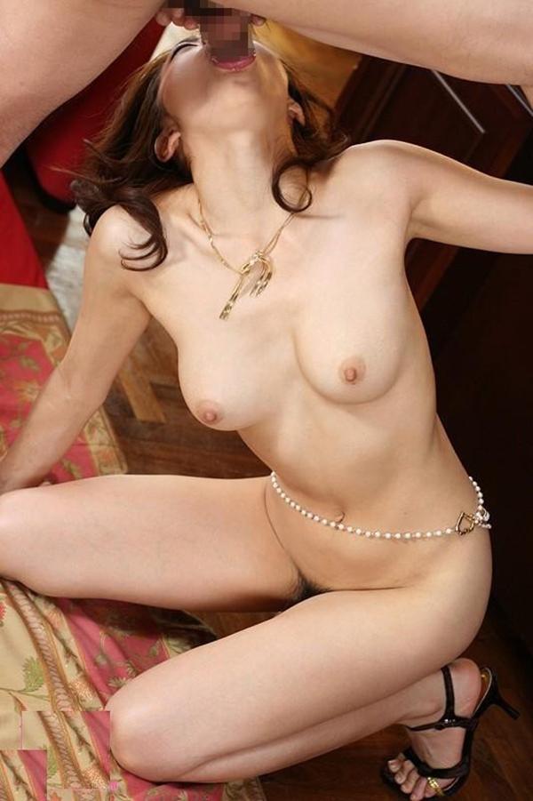 【全裸フェラチオエロ画像】フェラって膣内に挿入するよりも刺激が強いってホント? 14