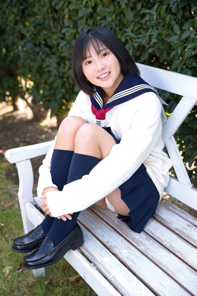 【JKコスプレエロ画像】ホンモノJKに勝るとも劣らない制服コスプレ美女たち! 24