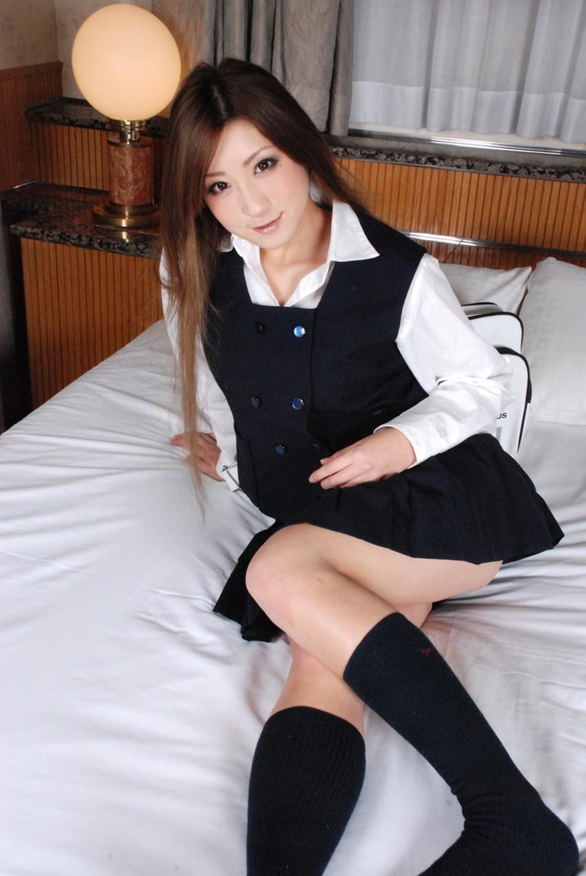 【JKコスプレエロ画像】ホンモノJKに勝るとも劣らない制服コスプレ美女たち! 34