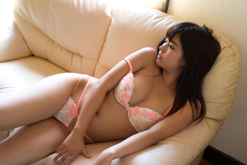 【ランジェリーエロ画像】下着姿と侮ること無かれ!セクシーすぎるランジェリー女子! 42