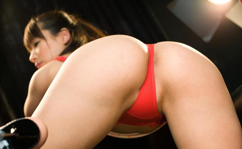 【Tバックエロ画像】こんな美尻の女の子にはTバックパンティーがよく似合います! 68