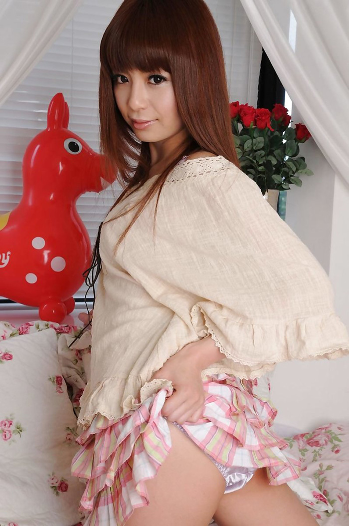 【セルフパンチラエロ画像】女の子からパンチラ見せてくれるとか最高だろ!www 36