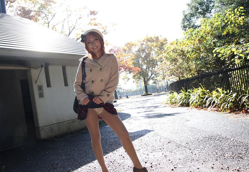 【セルフパンチラエロ画像】女の子からパンチラ見せてくれるとか最高だろ!www 67
