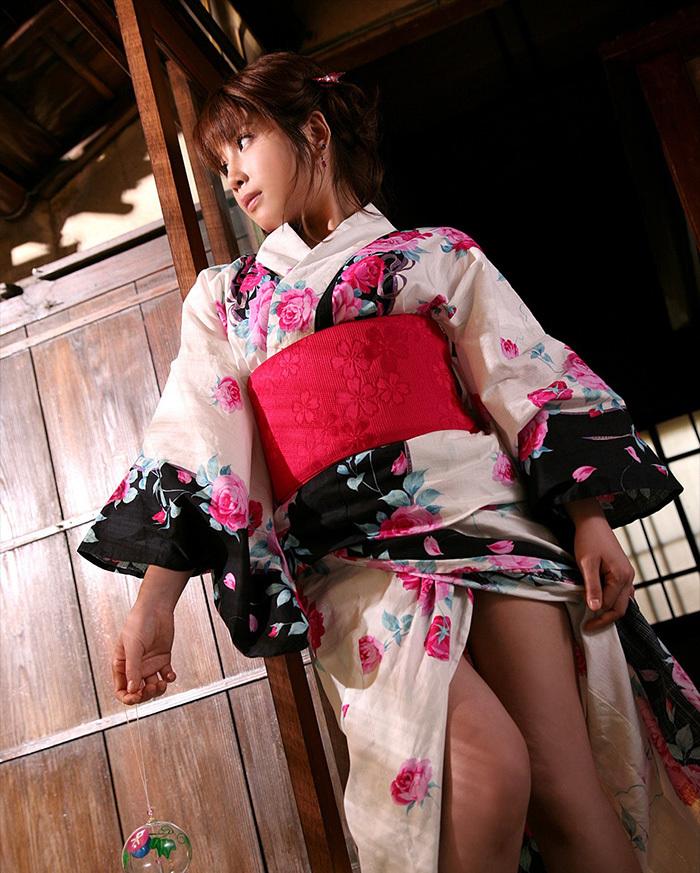 【和服エロ画像】和服姿の女の子たちのエロスがガチでエロくて草wwwww 31