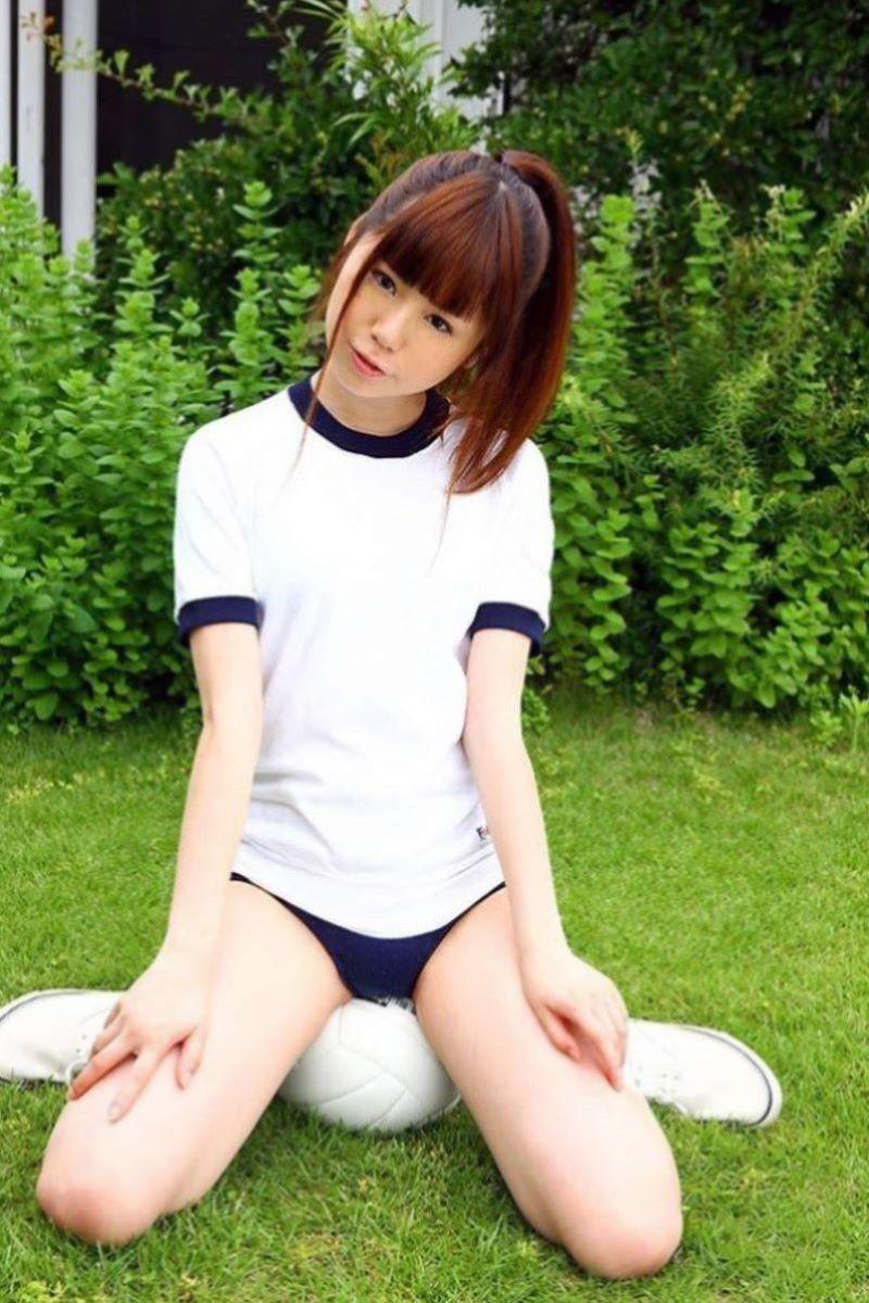 【体操服エロ画像】これが堪らない!学生時代の体育の授業で女子をエロい目で見てたやつ必見! 17