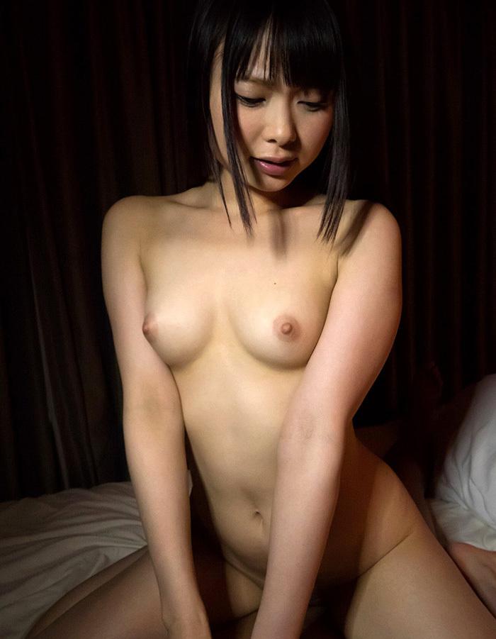 【騎乗位エロ画像】女の子に導かれる感覚が最高な騎乗位セックス! 03