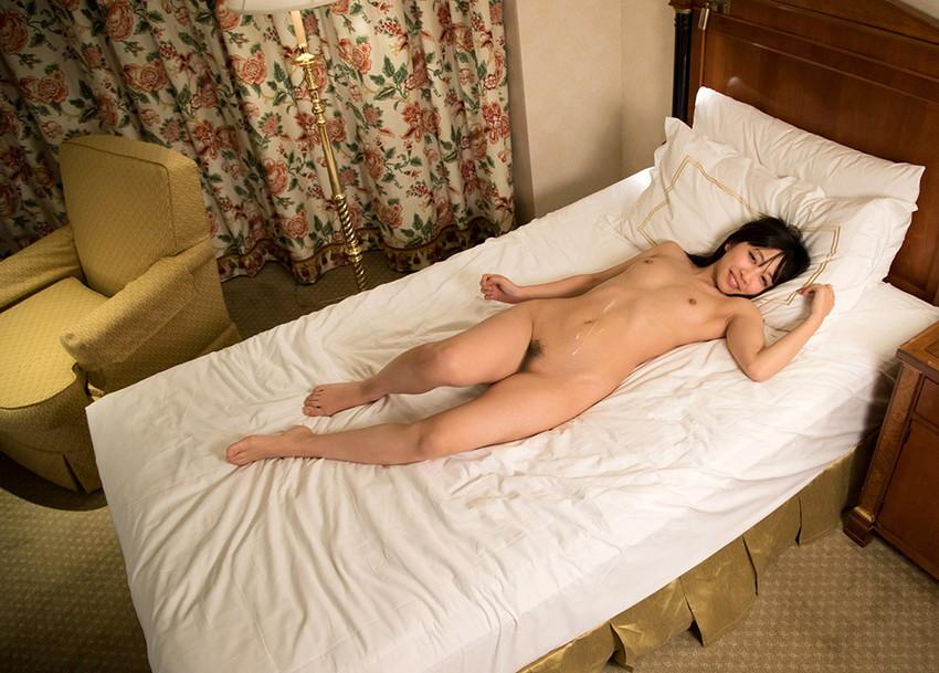 【射精エロ画像】ドピュッ!女の子の体のいたるところをザーメンで汚す! 30