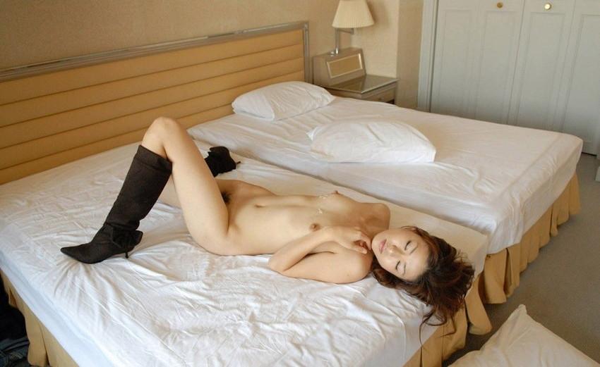 【射精エロ画像】ドピュッ!女の子の体のいたるところをザーメンで汚す! 68