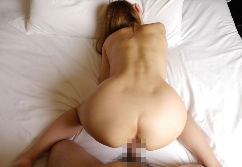 【バックエロ画像】尻フェチが好むと言われるお尻ガン見セックスの体位 65