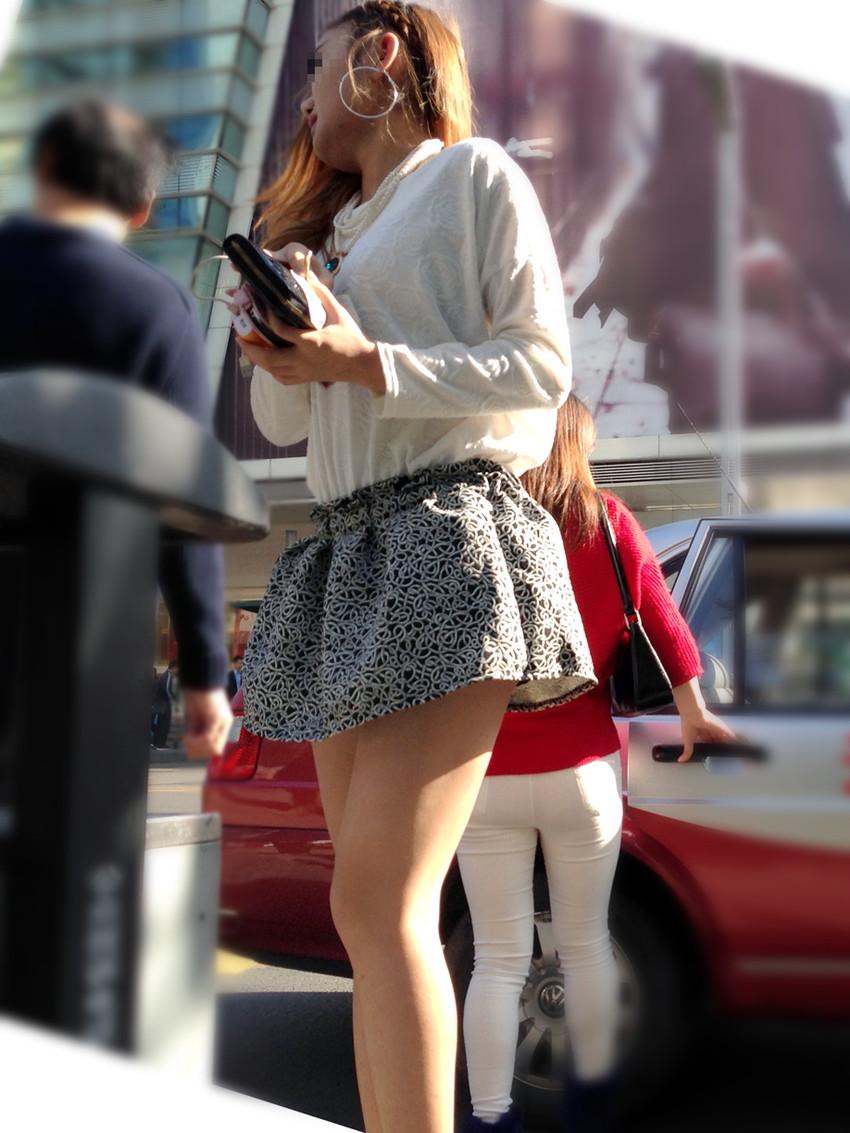 【ミニスカエロ画像】美脚、むき出しの太もも!春よ来い!美脚ミニスカエロ画像 18