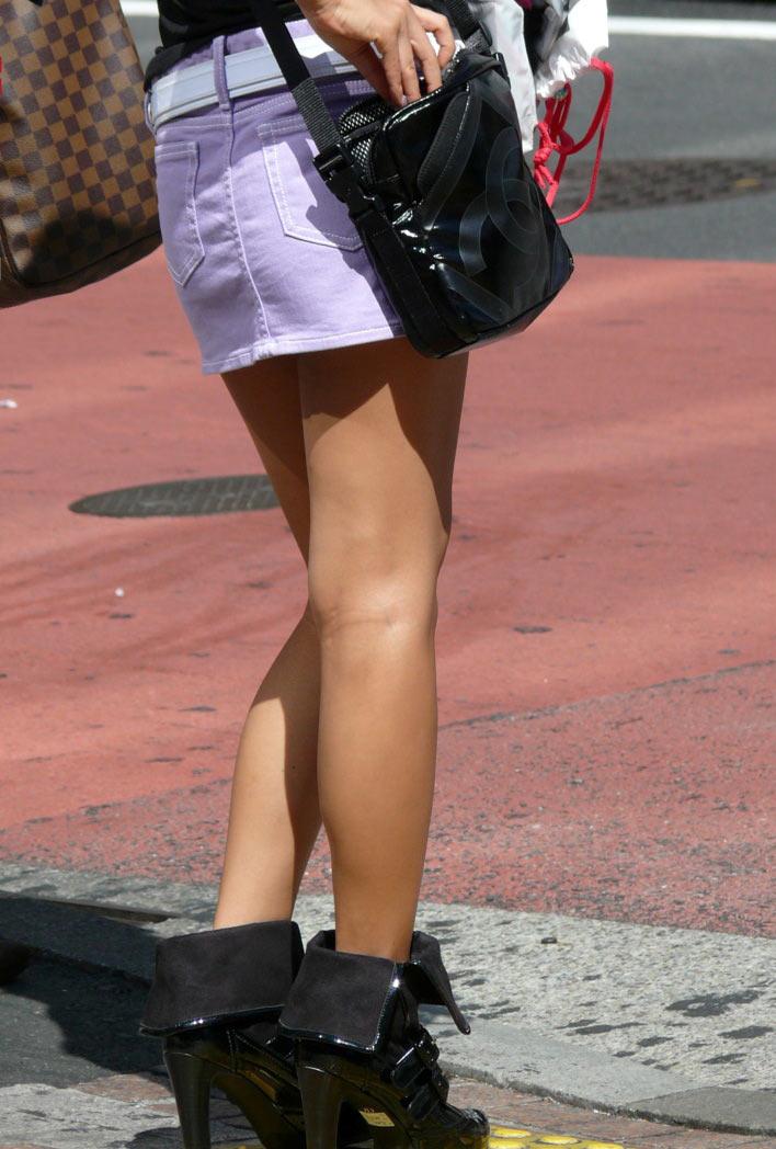 【ミニスカエロ画像】美脚、むき出しの太もも!春よ来い!美脚ミニスカエロ画像 19