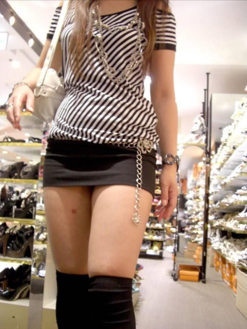 【ミニスカエロ画像】美脚、むき出しの太もも!春よ来い!美脚ミニスカエロ画像 23