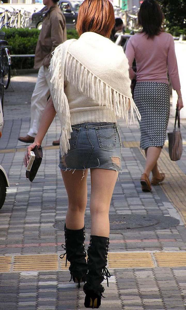 【ミニスカエロ画像】美脚、むき出しの太もも!春よ来い!美脚ミニスカエロ画像 43