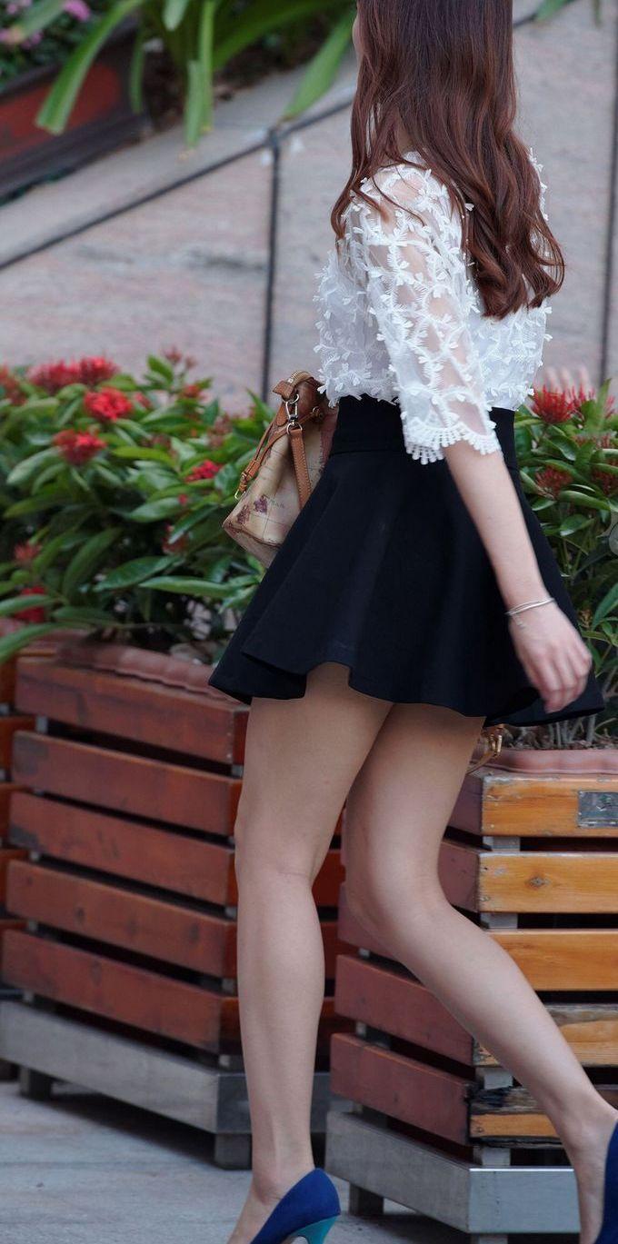 【ミニスカエロ画像】美脚、むき出しの太もも!春よ来い!美脚ミニスカエロ画像 50