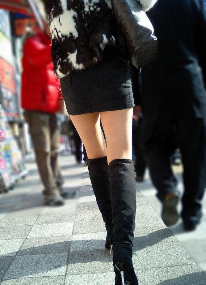 【ミニスカエロ画像】美脚、むき出しの太もも!春よ来い!美脚ミニスカエロ画像 64