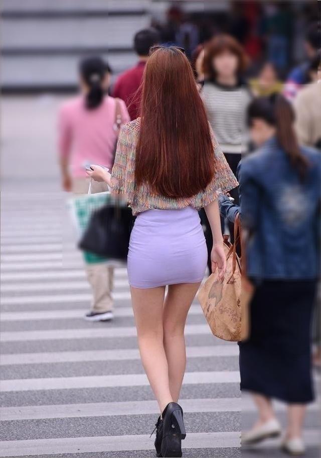 【ミニスカエロ画像】美脚、むき出しの太もも!春よ来い!美脚ミニスカエロ画像 65