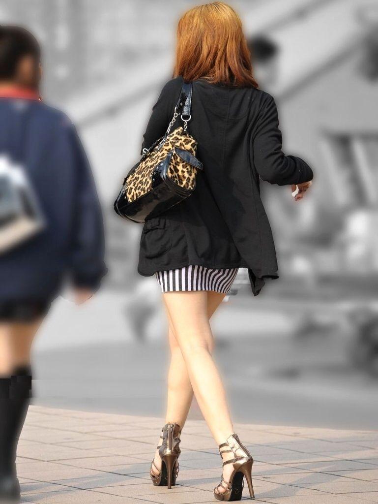 【ミニスカエロ画像】美脚、むき出しの太もも!春よ来い!美脚ミニスカエロ画像 79