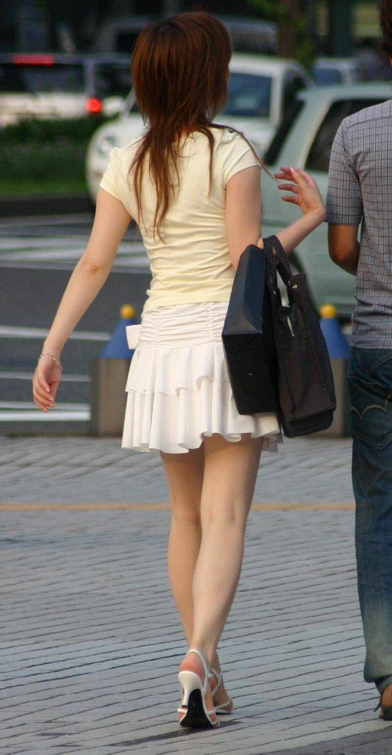 【ミニスカエロ画像】美脚、むき出しの太もも!春よ来い!美脚ミニスカエロ画像 80