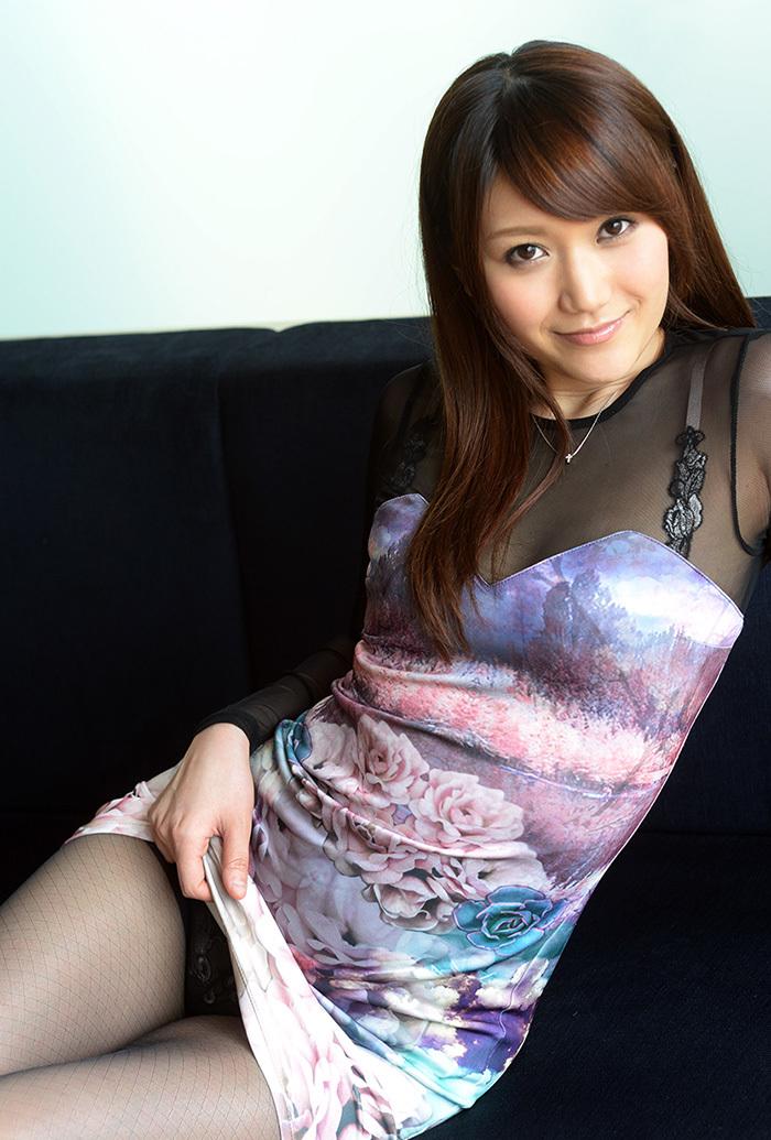 【セルフパンチラエロ画像】女の子からスカートを撒くってパンチラ披露wwww 04