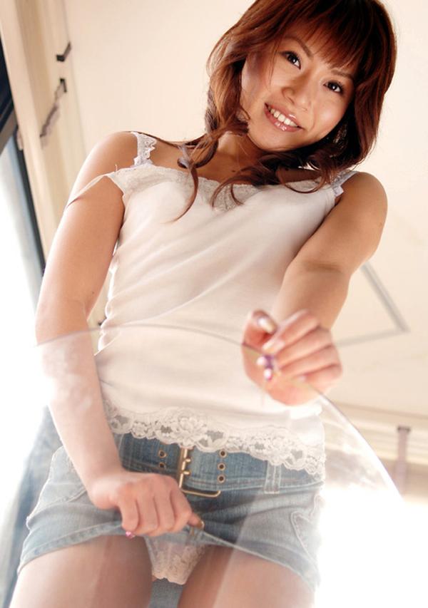 【セルフパンチラエロ画像】女の子からスカートを撒くってパンチラ披露wwww 20