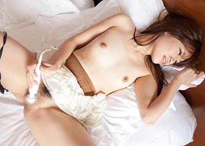 【電マオナニーエロ画像】電マの強烈な刺激でイキまくるオナニー中毒女子!