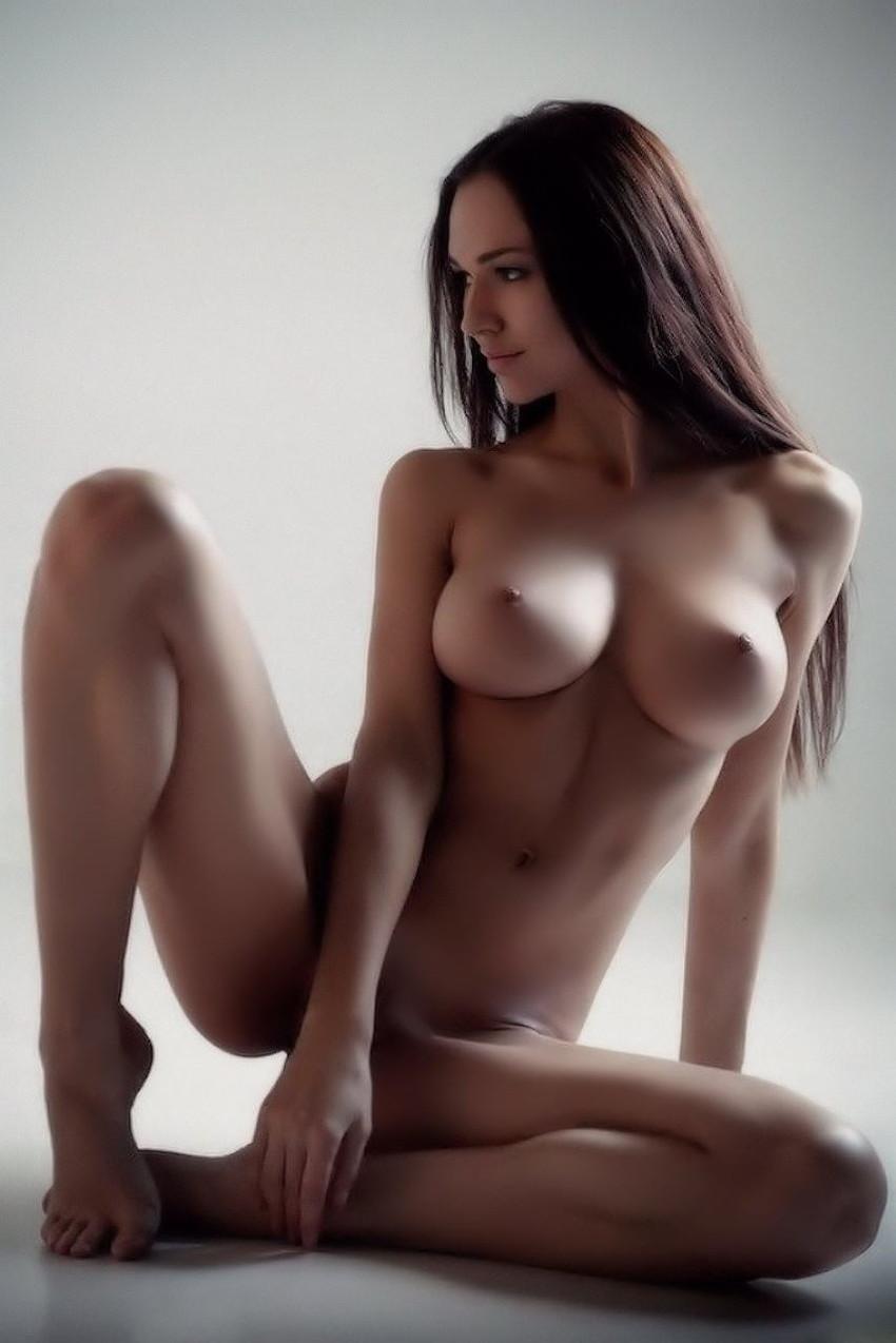 【白人エロ画像】黒人女性はムリでもこんな美しい白人美女ならお願いしたい! 38