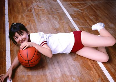 【体操服エロ画像】マニアックだけど、意外にも抜ける体操服姿の女子!