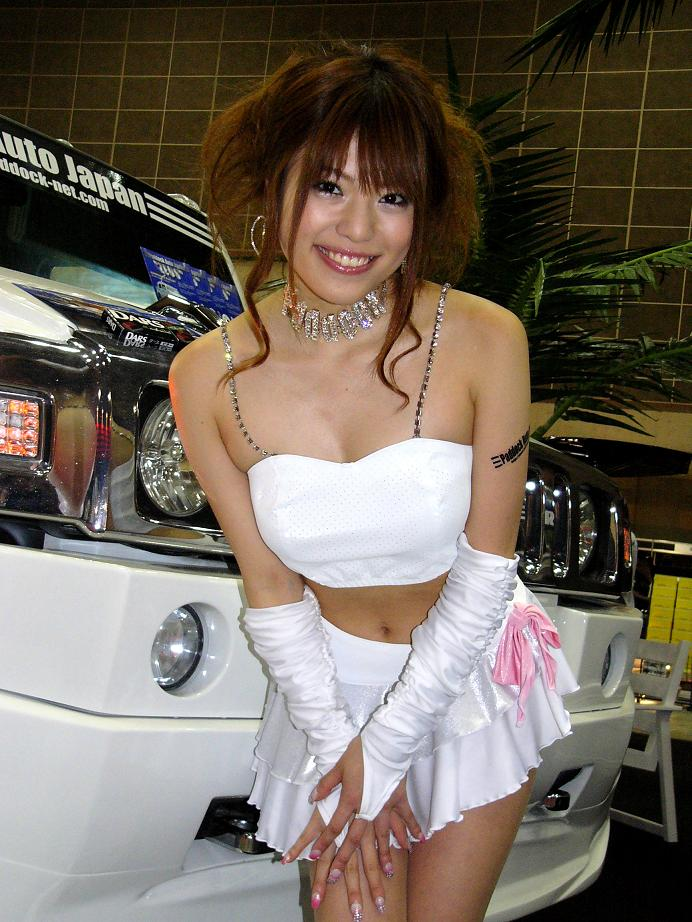 【キャンギャルエロ画像】こんなハレンチな衣装で大衆の面前に!?キャンギャルってエロッ! 73