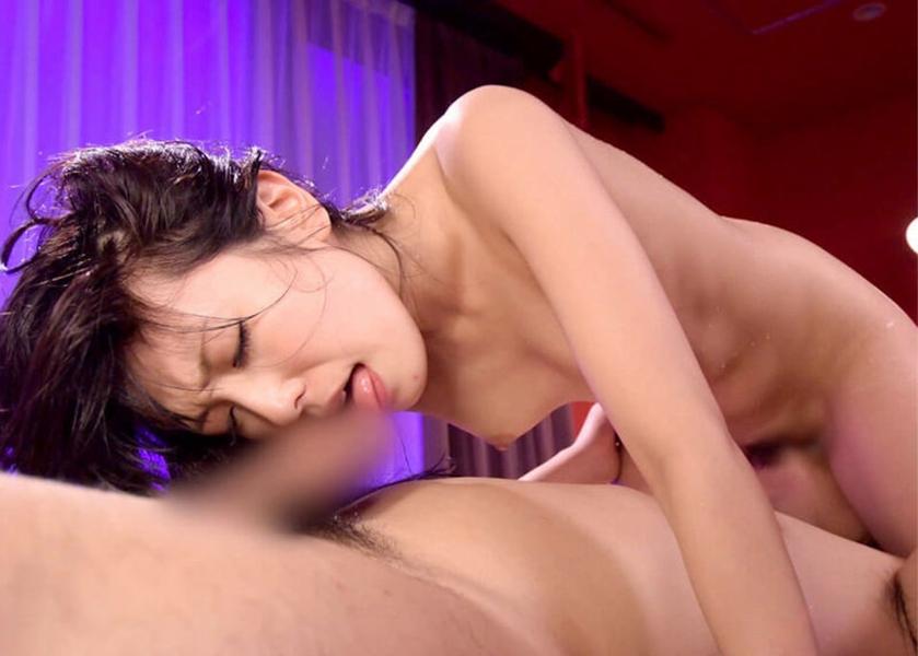【シックスナインエロ画像】男女で互いに互いの性器を舐めあって刺激するシックスナイン 20